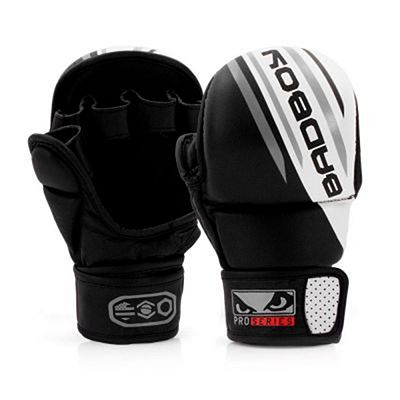 Bad Boy Pro Series Advanced Safety MMA Gloves Schwarz-weiß