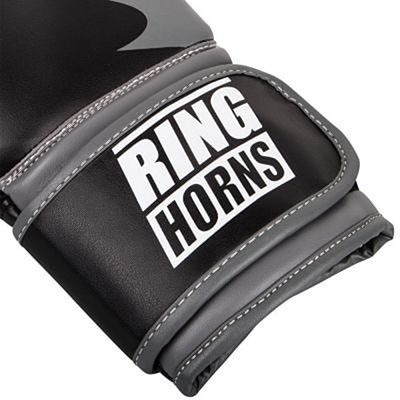 Ringhorns Charger Boxing Gloves Musta
